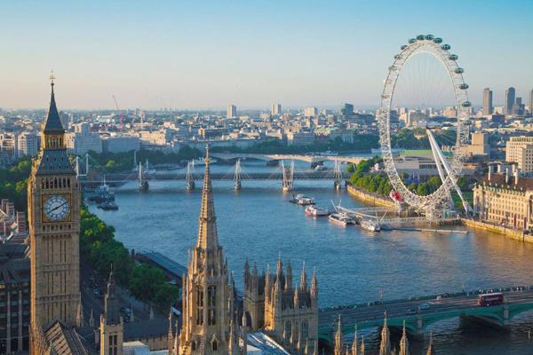 Lý giải sự đắt giá của bất động sản ven sông